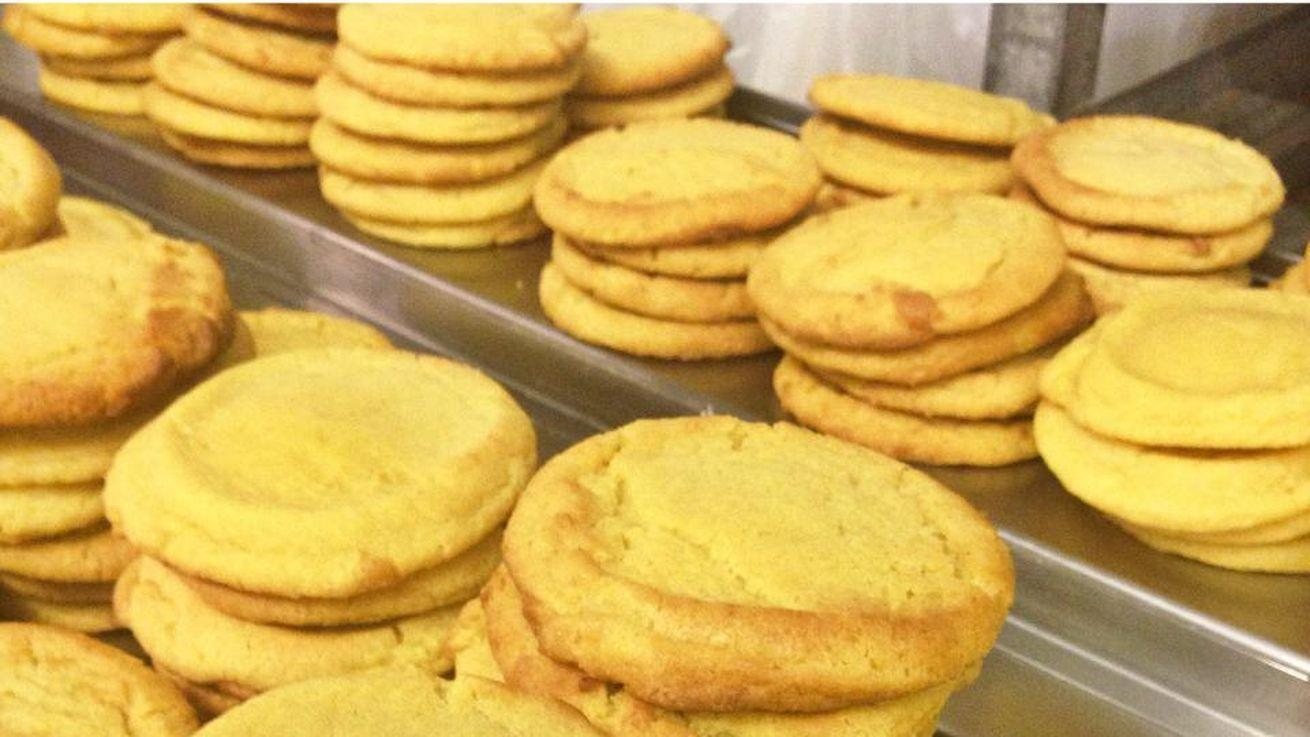 DC-3 to Airports, A Milk Bar Corn Cookie Recipe, More Intel