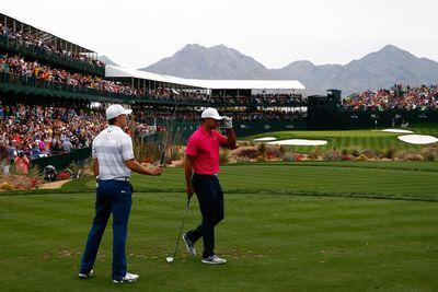 Tiger Woods plays through heckling, loud boos at Phoenix Open's 16th hole