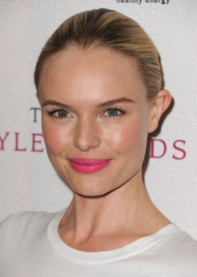 Kate Bosworth arrives at the 2010 Hollywood Style Awards at The Billy Wilder Theater at the Hammer Museum on December 12, 2010 in Los Angeles -- WireImage
