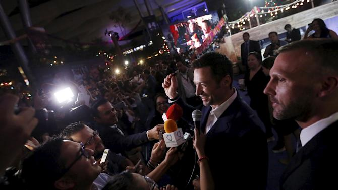 "Australian actor Hugh Jackman talks to journalists during the blue carpet premiere of ""Pan"" in Mexico City"