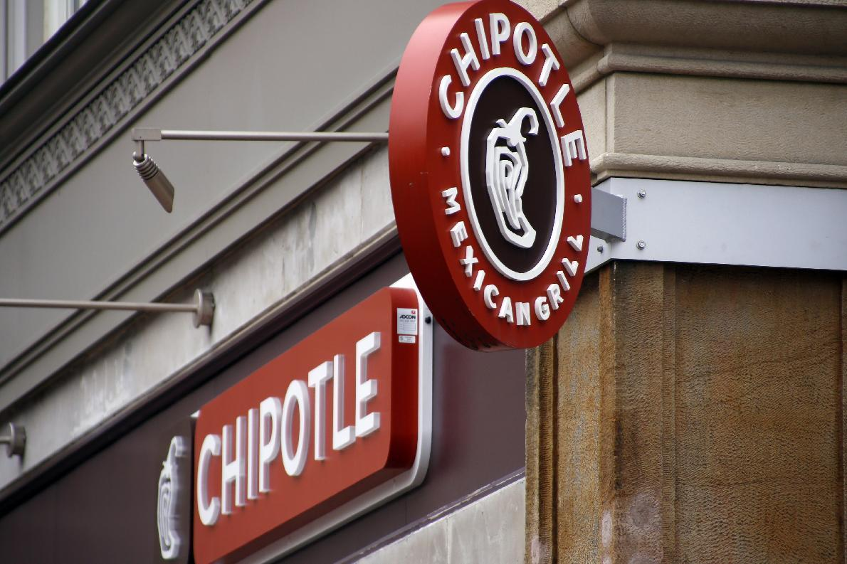 Chipotle branching out, plans to open burger restaurant