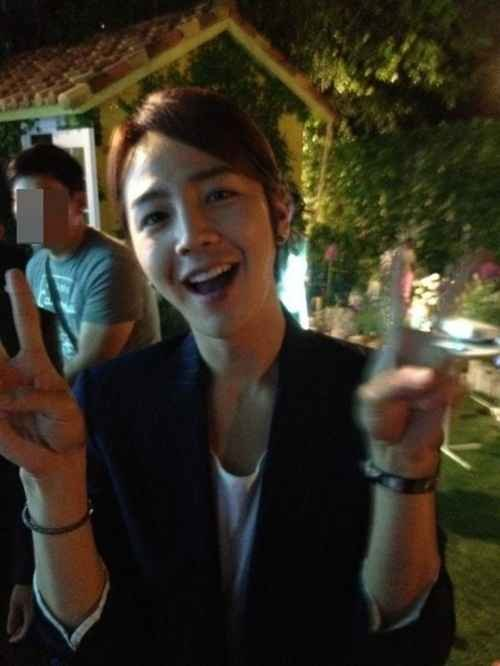 Jang Keun Suk Finishes Filming for 'Love Rain'