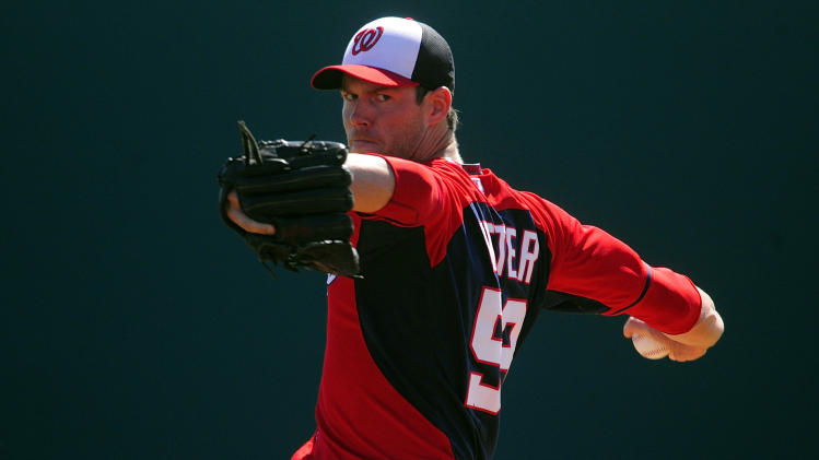 Doug Fister leaves game with lat strain, doubtful for opening d…