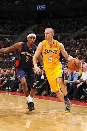 Lakers rally in 4th to beat Pistons 106-102