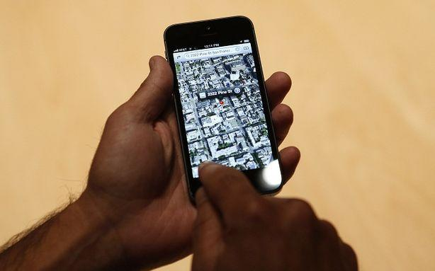 Tim Cook Sends Unhappy Maps Users to Google Maps