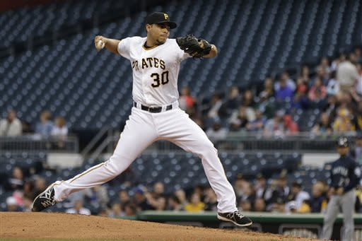 Pirates beat Mariners 4-1 behind Jeanmar Gomez