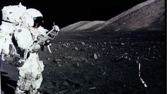 US Needs New Deep-Space Agency, Apollo Astronaut Says