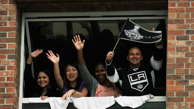 Fans Cheer For The Los Angeles Kings Team Menbers  Getty Images