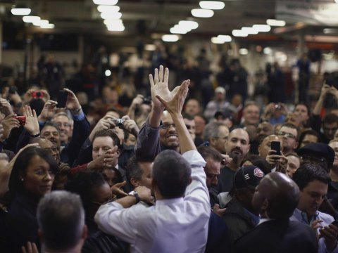 obama high five chrylser detroit factory worker