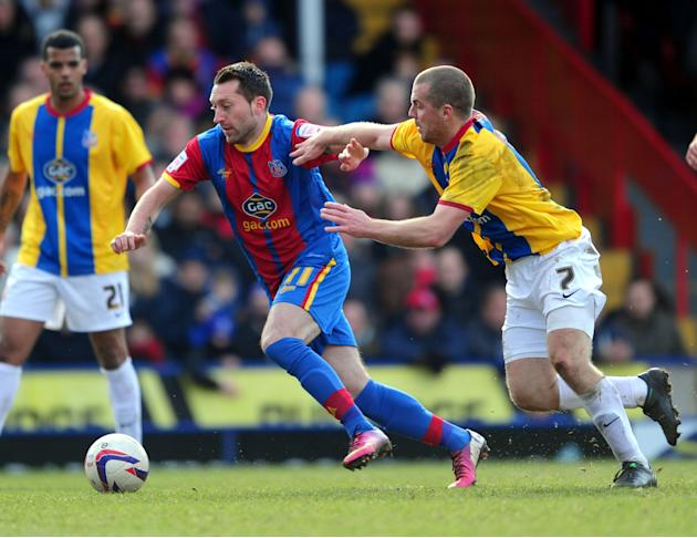 Barnsley forced to borrow Crystal Palace kit for a match against Crystal Palace