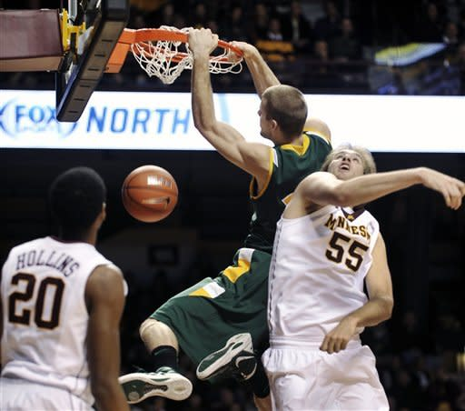 Williams, Mbakwe lead Minnesota past NDSU 70-57