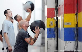 crossfit: good form, good strength