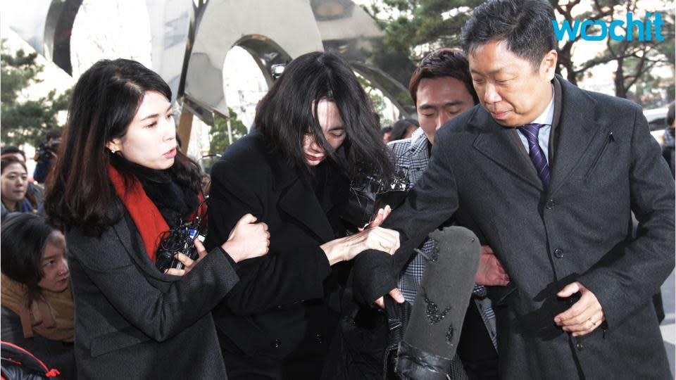 Court frees ex-Korean Air executive in 'nut rage' case