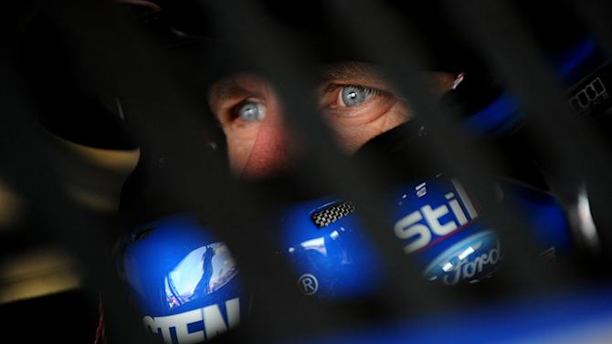 Carl Edwards keeps focus on improvement