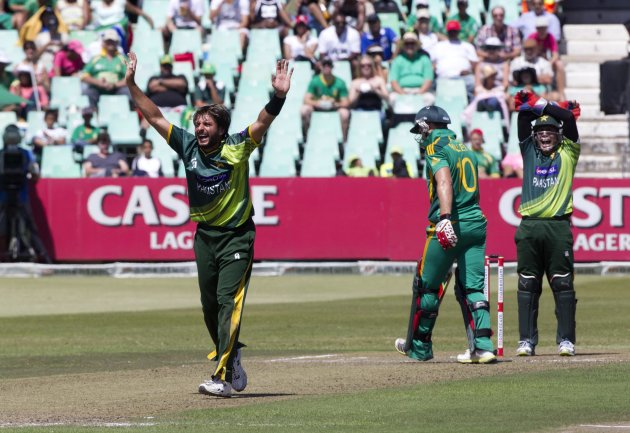 Pakistan's Afridi appeals for the wicket of South Africa's Miller during their fourth One Day International cricket match in Durban