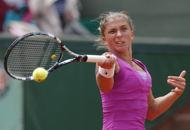 Italy's Sara Errani v Germany's Angelique Kerber during their quarterfinal match in the French Open tennis tournament at the Roland Garros stadium in Paris, Tuesday, June 5, 2012. (AP Photo/Michel Euler)