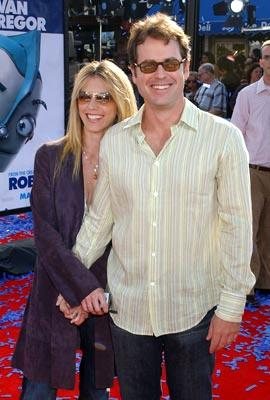 Premiere: Greg Kinnear and wife Helen at the Westwood premiere of 20th Century Fox's Robots - 3/6/2005