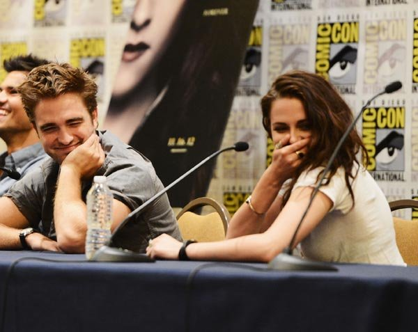 Top 10 Robert Pattinson &amp; Kristen Stewart Moments At Comic-Con 2012