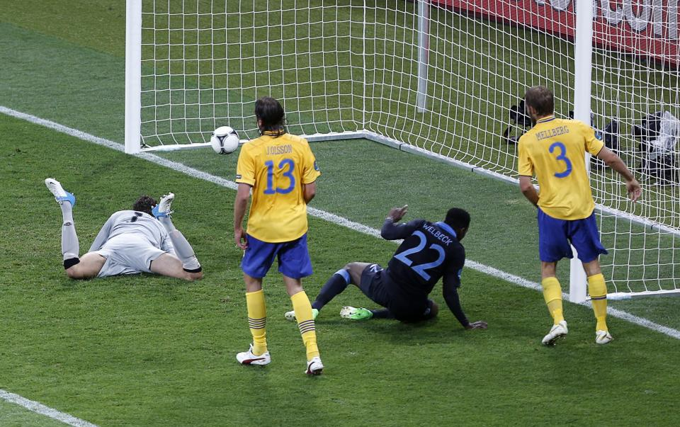 England's Danny Welbeck, second right, celebrates scoring his side's third goal during the Euro 2012 soccer championship Group D match between Sweden and England in Kiev, Ukraine, Friday, June 15, 2012. (AP Photo/Darko Vojinovic)