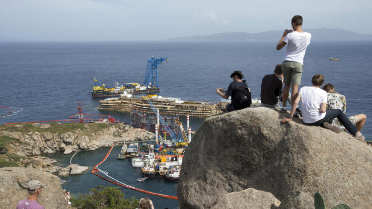 Italian island ponders future after the Concordia