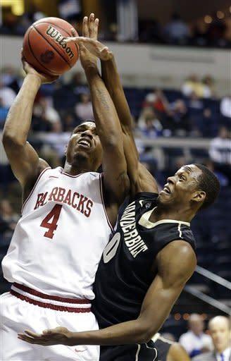 Vanderbilt downs Arkansas 75-72 in SEC tournament