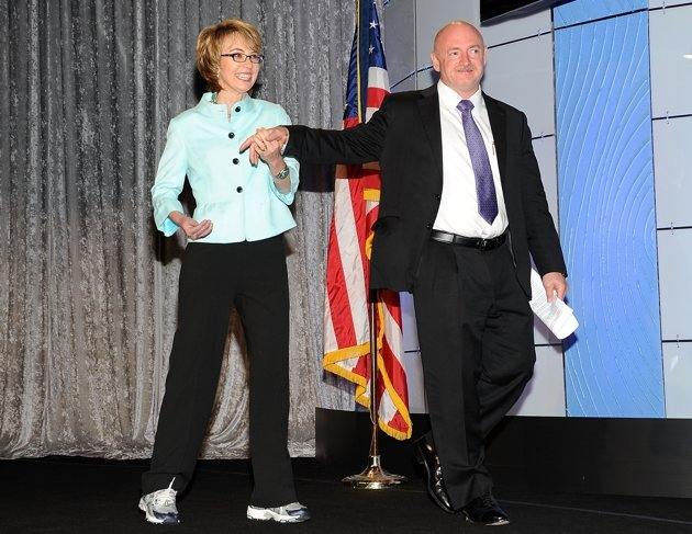 Gabrielle Giffords plans public appearance to campaign for former ...