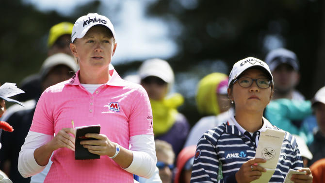 Stacy Lewis leads Swinging Skirts LPGA Classic