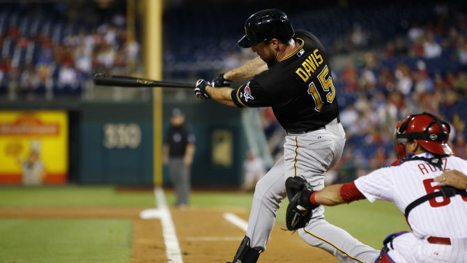 Liriano fans 12 in Pirates' 4-1 win over Phillies