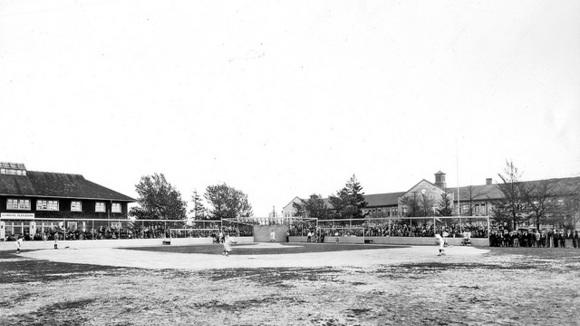 Cornerspotter: Cornerspotter: The Perfect Weekend for a Baseball Game