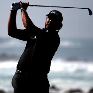 Phil Mickelson Surges Into Contention at Pebble Beach