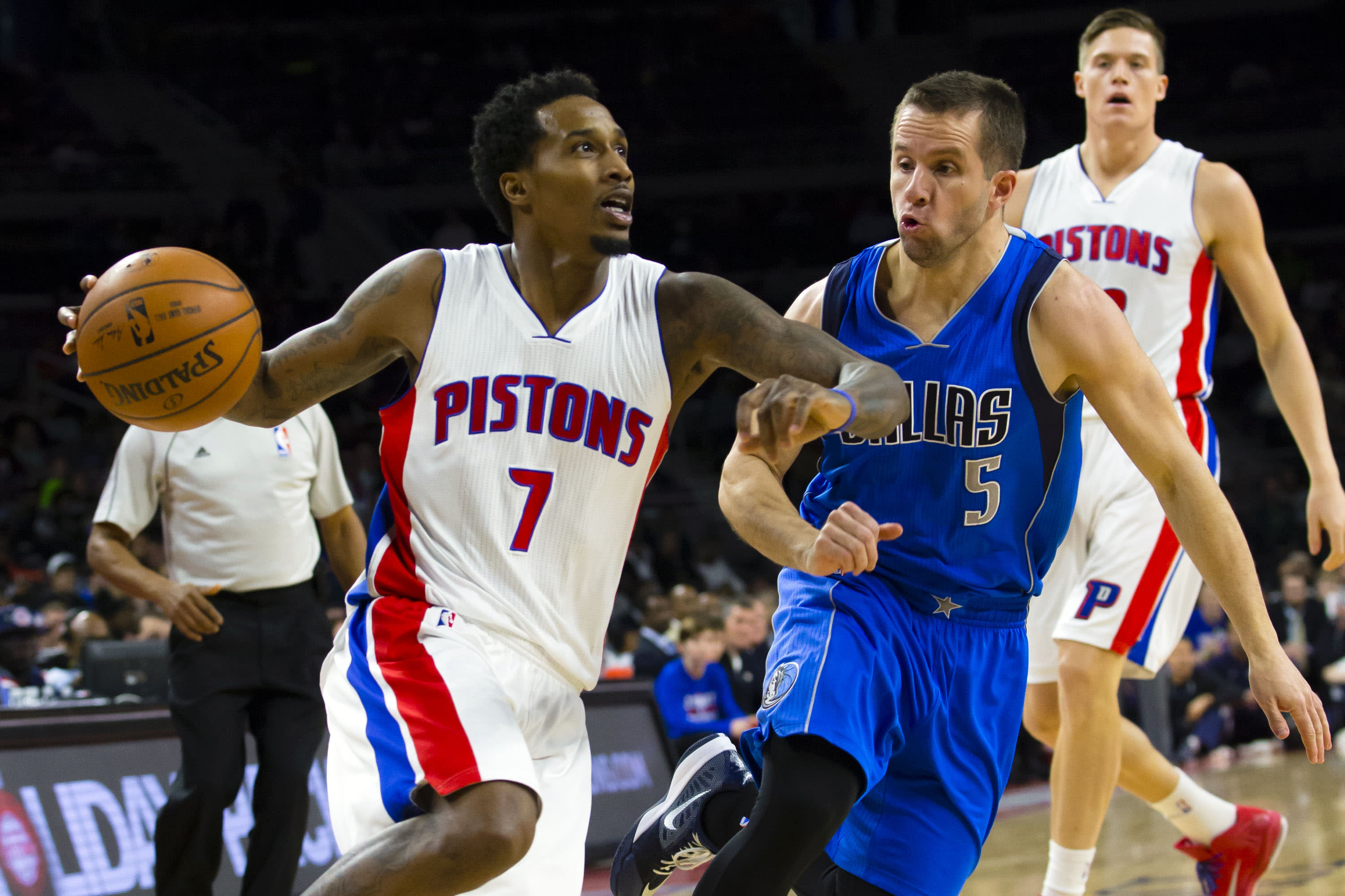 Brandon Jennings passed up an easy lay-up to miss a jumper