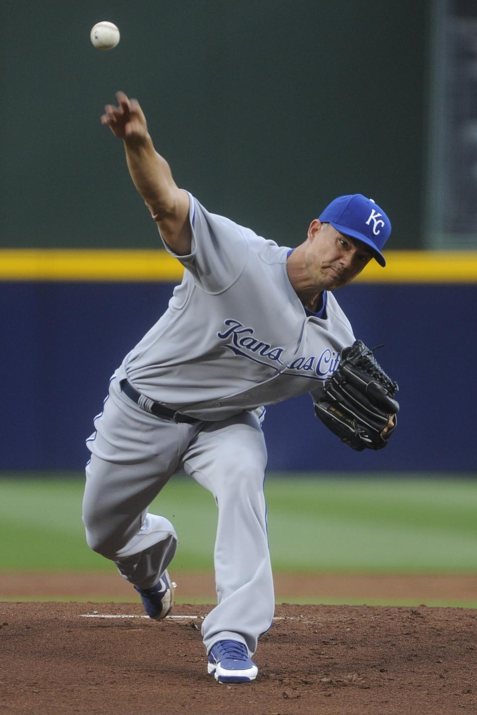 Kansas City Royals pitcher Jeremy Guthrie delivers in the first inning of a baseball game against the Atlanta Braves, Tuesday, April 16, 2013, in Atlanta. (AP Photo/John Amis)
