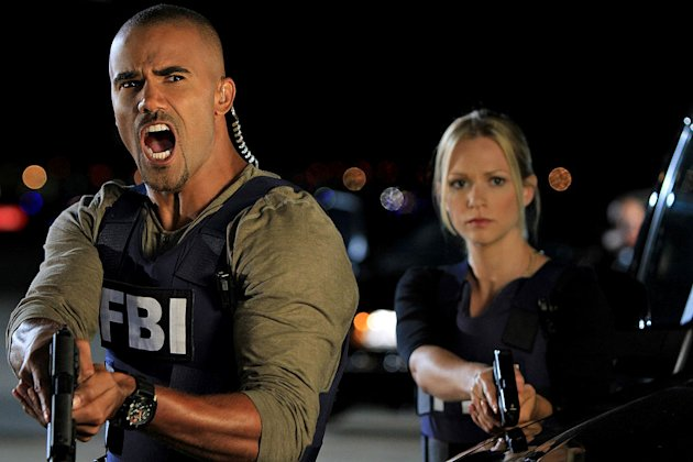 """It Takes A Village"" -- Morgan (Shemar Moore) and JJ (A.J. Cook) zero in on a suspect, on the seventh season premiere of CRIMINAL MINDS, Wednesday, Sept. 21 (9:00-10:00 PM, ET/PT) on the CBS Televisio"