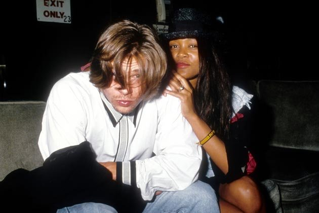 "Brad Pitt & ""The Cosby Show""-Star Robin Givens im Januar 1989 (Bild: Getty Images)"