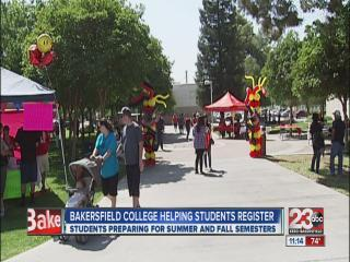 Bakersfield College helps students register