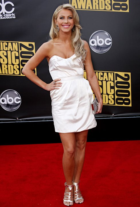 Julianne Hough arrives at the 2008 American Music Awards held at Nokia Theatre L.A. LIVE on November 23, 2008 in Los Angeles, California.