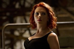 [image] Black Widow se d&#xE9;cha&#xEE;ne - voyez un clip tir&#xE9; de &#xAB;Marvel's The Avengers&#xBB;