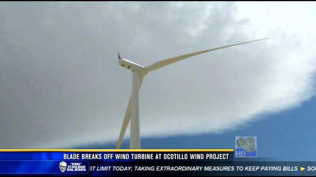 Blade breaks off wind turbine at Ocotillo Wind Project