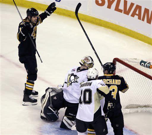 Hockey returns to Boston, Penguins top Bruins 3-2
