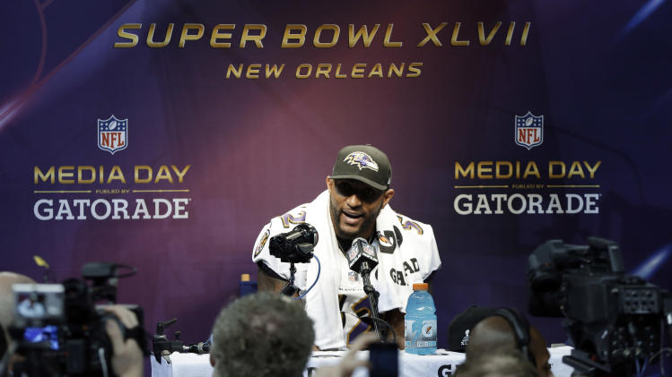Ray Lewis avoids talk of report on deer spray