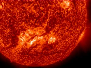 Giant Plasma Loop on Sun is Half a Million Miles Long