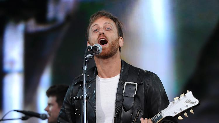 Guitarist Dan Auerbach of The Black Keys performs at the Global Citizen Festival in Central Park on Saturday Sept. 29, 2012 in New York. (Photo by Evan Agostini/Invision/AP)