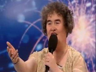 0417-Susan-Boyle-Singing_sm.jpg