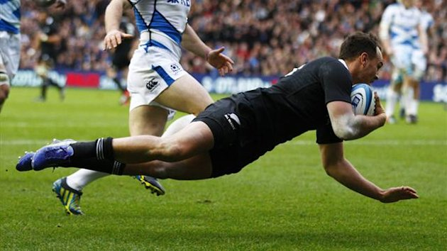 New Zealand&#39;s Israel Dagg scores a try during their Autumn Test rugby union match against Scotland at Murrayfield Stadium in Edinburgh, Scotland (Reuters)