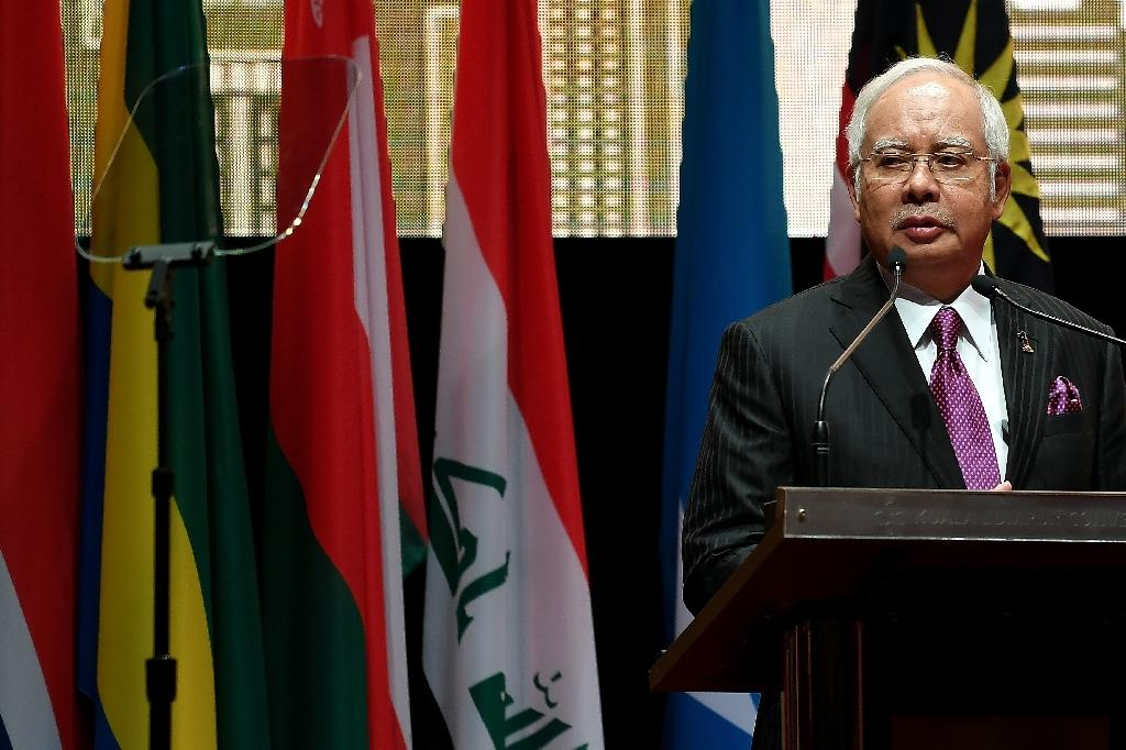 Malaysia PM urges Myanmar to end Rohingya crackdown