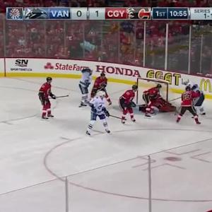 Vancouver Canucks at Calgary Flames - 04/19/2015