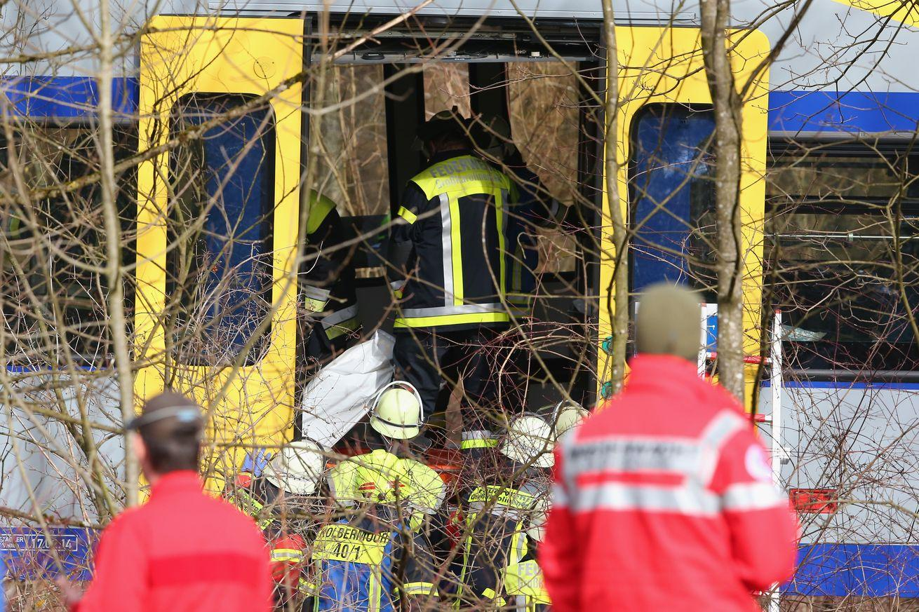 2 German trains collided head on, killing at least 9 people