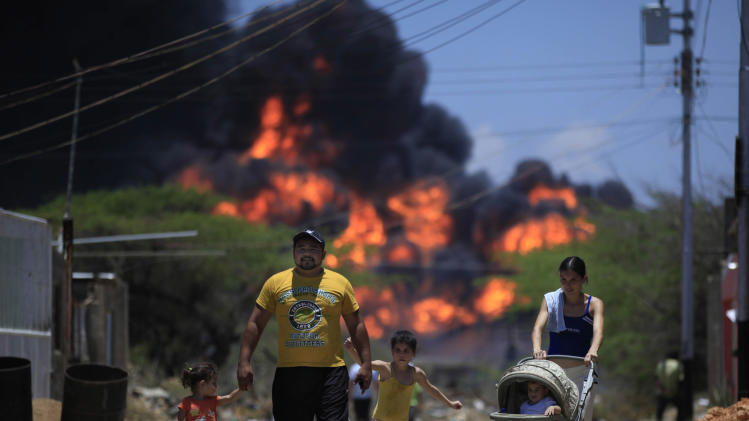 Survivors: strong gas odor before Venezuela blast