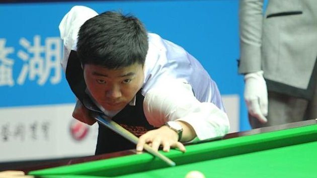 Pics: Tai Chengzhe, TOP147.com. ding junhui 2012 wuxi classic