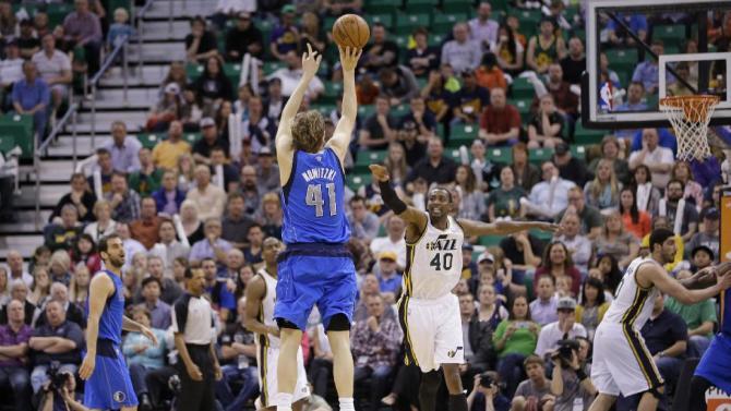 Nowitzki leads Mavericks over Jazz 95-83